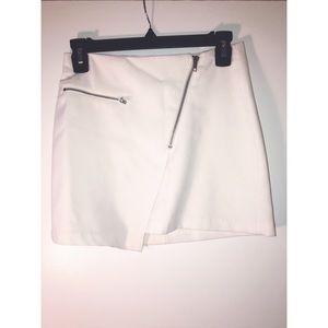 H&M White Mini Skirt with Zipper Across!
